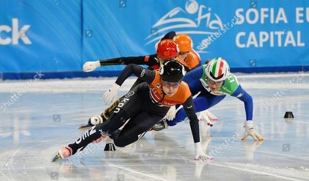 Image libre de droits de Netherland's Lara van Ruijven competes during the ladies' 500m final at the ISU World Short Track Speed Skating Championships in Sofia, Bulgaria, on