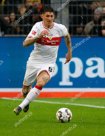 Stuttgart's Steven Zuber in action during the German Bundesliga soccer match between Borussia Dortmund and and VfB Stuttgart in Dortmund, Germany, 09 March 2019.