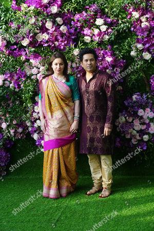 Indian cricketer Sachin Tendulkar with his Wife Anjali Tendulkar