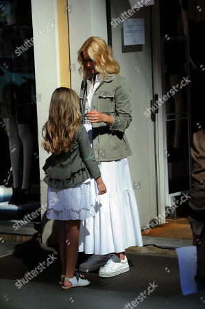 Stock Picture of Valeria Mazza and daughter Taina
