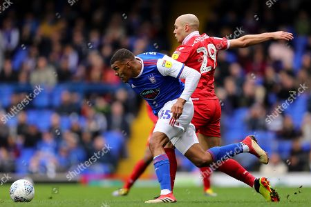 Collin Quaner of Ipswich Town beats Yohan Benalouane of Nottingham Forest - Ipswich Town v Nottingham Forest, Sky Bet Championship, Portman Road, Ipswich - 16th March 2019 Editorial Use Only - DataCo restrictions apply