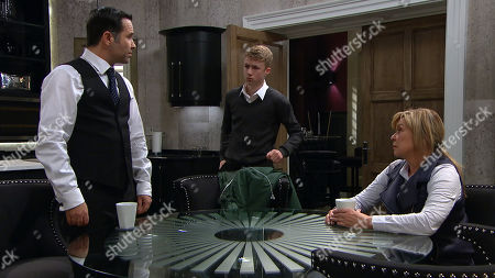 Stock Image of Ep 8424 Thursday 21st March 2019 - 1st Ep Graham Foster, as played by Andrew Scarborough, Noah Dingle, as played by Jack Downham, Claire King as Kim Tate