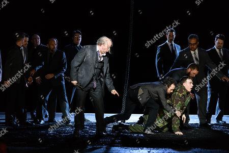 Daniel Norman (Monostatos), Rupert Charlesworth (Tamino)