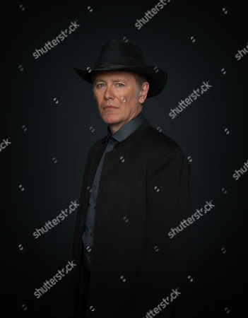 Stock Photo of Peter Outerbridge as Eli Voss