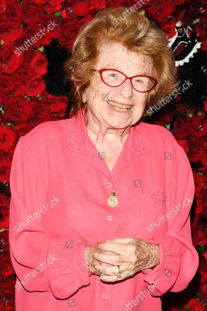 Dr. Dr. Ruth