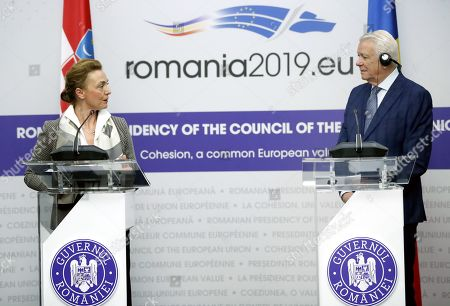 Deputy Prime Minister and Minister of Foreign and European Affairs of Croatia Marija Pejcinovic Buric attends a joint press conference with her Romanian counterpart Teodor Melescanu (R) after their official meeting held at Foreign Ministry Headquarters in Bucharest, Romania, 15 March 2019.