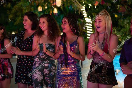 Carla Adell as Laura, Karen Furlong as Nayeli and Regina Pavon as Monica