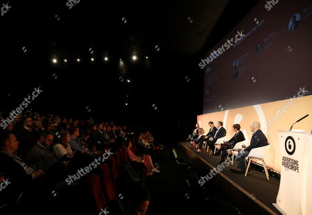 Matthew Greenberg (Advertising Week), Andy Chandler (VP EMEA, Tapjoy), Martin O'Boyle (MD Partnerships PMX, Publicis Media), Sue Hunt (Chief Revenue Officer, VIOOH) and Brian Rifkin (Co-Founder & Head of Strategic Partnerships, JW Player)