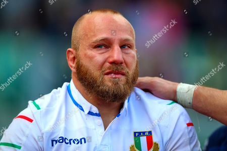 Italy vs France. Italy's Leonardo Ghiraldini dejected after the game