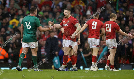 Rob Evans of Wales shake hands with Niall Scannell of Ireland.