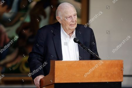 Jerry Bradley speaks during the annual announcement of inductees into the Country Music Hall of Fame, in Nashville, Tenn. Bradley will be inducted along with Ray Stevens and Brooks & Dunn