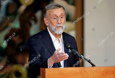 Ray Stevens speaks during the annual announcement of inductees into the Country Music Hall of Fame, in Nashville, Tenn. Stevens will be inducted along with the duo Brooks & Dunn and Jerry Bradley