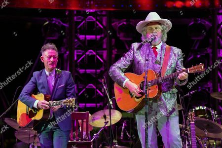Stock Picture of Lyle Lovett and Robert Earl Keen