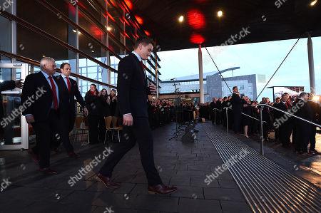 Alun Wyn Jones, Warren Gatland and Jonathan Davies walks out infront of crowds.