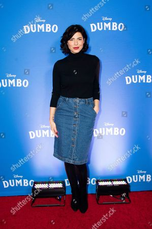"""Cindy Sampson poses at the Canadian premiere of """"Dumbo"""", in Toronto"""