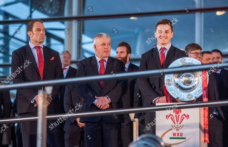 Coach Warren Gatland, Captain Alun Wyn Jones and Jonathan Davies.