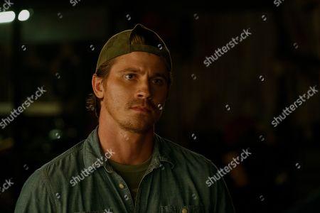 Garrett Hedlund as Ben Miller