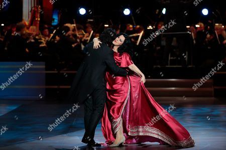 Romanian soprano Angela Gheorghiu (R) and Italian tenor Vittorio Grigolo (L) perform during the 2nd award ceremony of the International Professional Music Award 'BraVo' in the field of classical arts at the Bolshoi Theatre in Moscow, Russia, 19 March 2019.