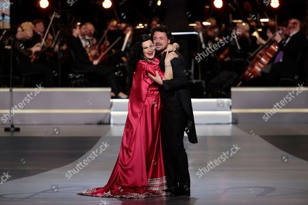 Romanian soprano Angela Gheorghiu (L) and Italian tenor Vittorio Grigolo (R) hug during the 2nd award ceremony of the International Professional Music Award 'BraVo' in the field of classical arts at the Bolshoi Theatre in Moscow, Russia, 19 March 2019.
