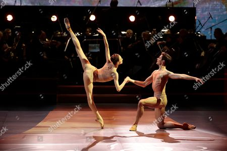 Bolshoi Theatre prima ballerina Svetlana Zakharova (L) performs during the 2nd award ceremony of the International Professional Music Award 'BraVo' in the field of classical arts at the Bolshoi Theatre in Moscow, Russia, 19 March 2019.