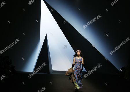 Stock Photo of A model exhibits a creation by South Korean designer Park Youn-Soo of BIG PARK during the Fall/Winter 2019 Seoul Fashion Week at the Dongdaemun design Plaza in Seoul, South Korea, 20 March 2019. The fashion week runs from 19 to 24 March.