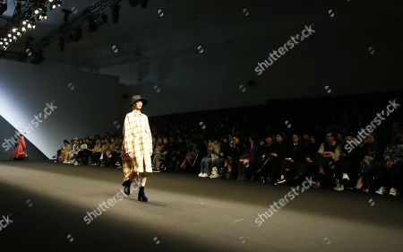 A model exhibits a creation by South Korean designer Park Youn-Soo of BIG PARK during the Fall/Winter 2019 Seoul Fashion Week at the Dongdaemun design Plaza in Seoul, South Korea, 20 March 2019. The fashion week runs from 19 to 24 March.