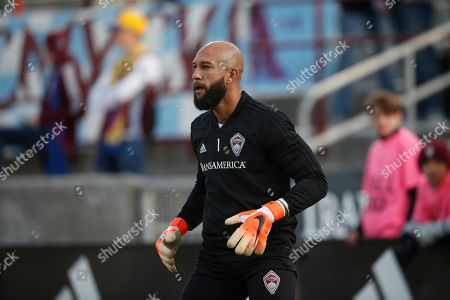 R m. Colorado Rapids goalkeeper Tim Howard (1) in the first half of an MLS soccer match, in Commerce City, Colo