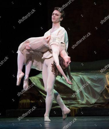 Lauren Cuthbertson as Juliet, Matthew Ball as Romeo