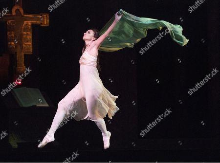 Lauren Cuthbertson as Juliet,