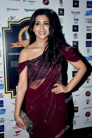 Shriya Saran on the red carpet of Dada Saheb Phalke International Film Festival Awards function.