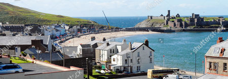 View Of The Resort Of Peel On The Isle Of Man. Radio 3 Radio Presenter Andy Kershaw Returns To His Home In Peel Isle Of Man After Spending Six Nights In Douglas Prison For Breaking A Restraining Order Against His Partner Juliette Banner.