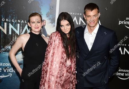 """Mireille Enos, Esme Creed-Miles, Joel Kinnaman. Actors Mireille Enos, left, Esme Creed-Miles and Joel Kinnaman pose together at the premiere of Amazon Prime Video's """"Hannah"""" at The Whitby Hotel, in New York"""