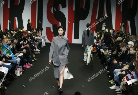 Models exhibit creations by South Korean designer Lim Sun-ok of PARTs-PARTs during the Fall/Winter 2019 Seoul Fashion Week at the Dongdaemun design Plaza in Seoul, South Korea, 22 March 2019. The fashion week runs from 19 to 24 March.