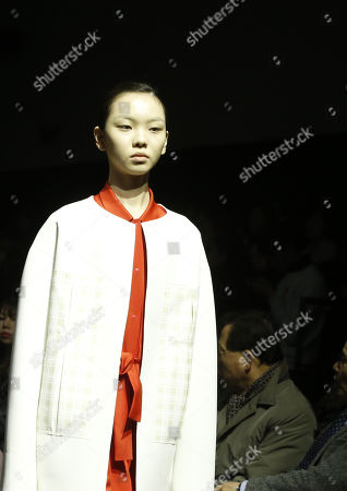 A model exhibits creations by South Korean designer Lim Sun-ok of PARTs-PARTs during the Fall/Winter 2019 Seoul Fashion Week at the Dongdaemun design Plaza in Seoul, South Korea, 22 March 2019. The fashion week runs from 19 to 24 March.