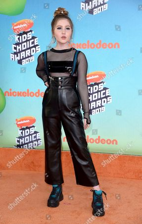 Ella Anderson arrives at the Nickelodeon Kids' Choice Awards, at the Galen Center in Los Angeles