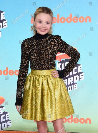 Mallory James Mahoney arrives at the Nickelodeon Kids' Choice Awards, at the Galen Center in Los Angeles