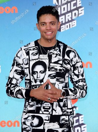 Brandon Broady arrives at the Nickelodeon Kids' Choice Awards, at the Galen Center in Los Angeles