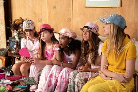 Anna Pniowsky as Heather, Sami Rappoport as Becca, Jessica Pressley as Jessica, Hannah Mae as Connie and Anna Konkle as Anna Kone