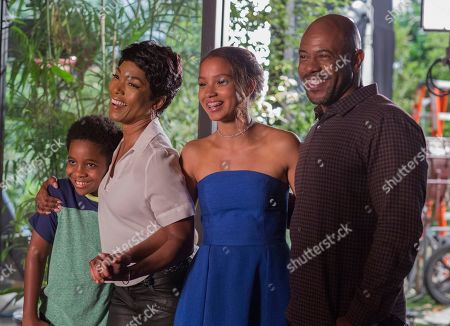 Marcanthonee Reis as Harry Grant, Angela Bassett as Athena Grant, Tiffany Dupont as Ali and Rockmond Dunbar as Michael Grant