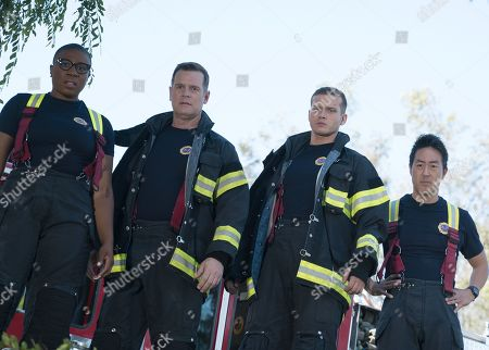 Aisha Hinds as Henrietta 'Hen' Wilson, Peter Krause as Bobby Nash and Oliver Stark as Evan 'Buck' Buckley and Kenneth Choi as Howie 'Chimney' Han