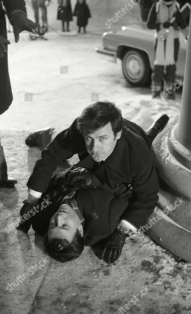 Stock Image of Behind the scenes loaction filming featuring Weston Gavin as Senator O'Shea, and Ray Lonnen as Willie Caine, as Caine attempts to save the life of a US Senator from assassination.