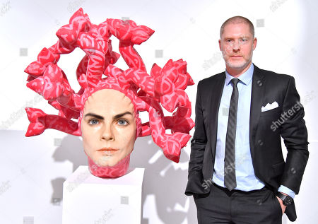 Jean-David Malat with Aspencrow's 'Olympe' - a Cara Delevingne sculpture