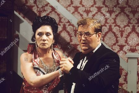 'Yus My Dear'   TV Series 2 Norman Chappell and Queenie Watts