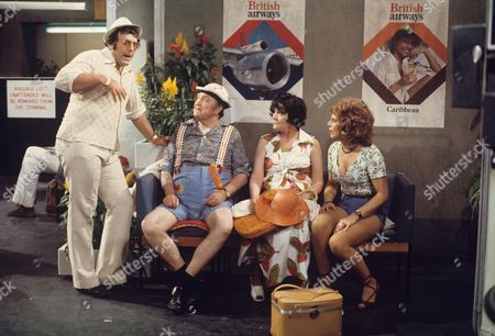 'Yus My Dear'   TV Series 2 Mike Reid, Arthur Mullard, Queenie Watts and Valerie Walsh