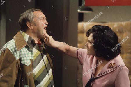 'Yus My Dear'   TV Series 2 Valerie Walsh and Arthur Mullard