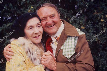 'Yus My Dear'   TV Series 2 Queenie Watts and Arthur Mullard