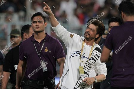 Co-owner of Kolkata Knight Riders' and Bollywood actor Shah Rukh Khan greets the spectators at the end of the VIVO IPL cricket T20 match against Kings XI Punjab in Kolkata, India