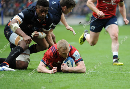 Keith Earls - Munster winger beats the tackles of Bill Mata and Chris Dean to score a first half try following a quick tap-and-go penalty.