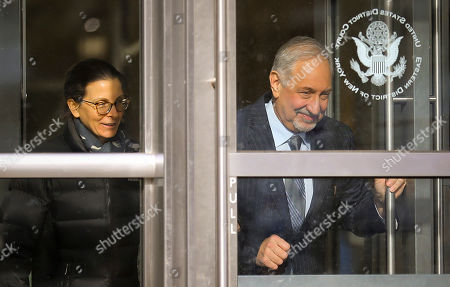 Mark Geragos, Clare Bronfman, Allison Mack. Clare Bronfman, a member of Nxivm, an organization charged in sex trafficking, leaves Brooklyn Federal Court with her lawyer Mark Geragos after she received medical attention while in court, in New York