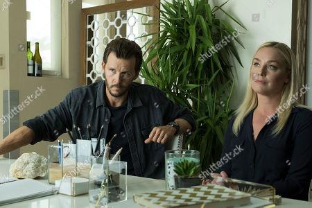 Ryan Kwanten as Steve Hammond and Elisabeth Röhm as Agent Aria Price